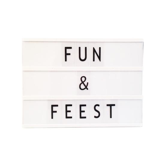 Deco lichtbak met letters A4 (bron: Piraten-feestwinkel)